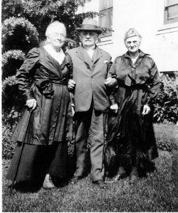 Hannah Pelz Schwartz, left, and two unknown friends, taken at the Altenhein Rest Home in Oakland, CA, before her death.