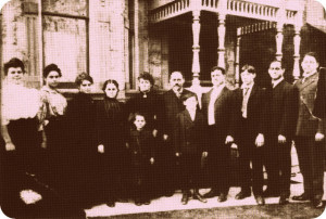 The Shwayder Famy Photo, 1905, #WS0277