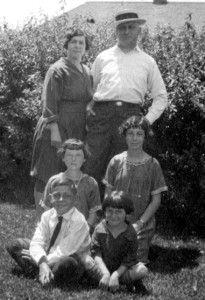 Alfred and Jeanette Wagner with their 4 children.